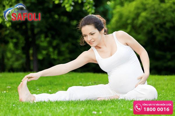 Mẹ bầu tập thể dục nhẹ nhàng có thể giảm các triệu chứng ốm nghén